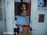 Juan Manuel Gantes,solo pide que le dejen cultivar su medicina